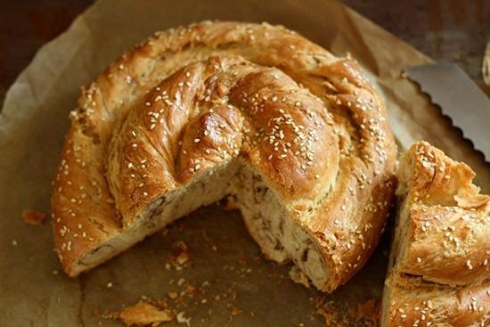 طرزتهیه نان گاتا به چه صورت می باشد ؟