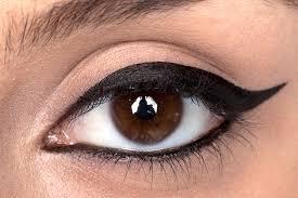 خط چشم کشیدن 9