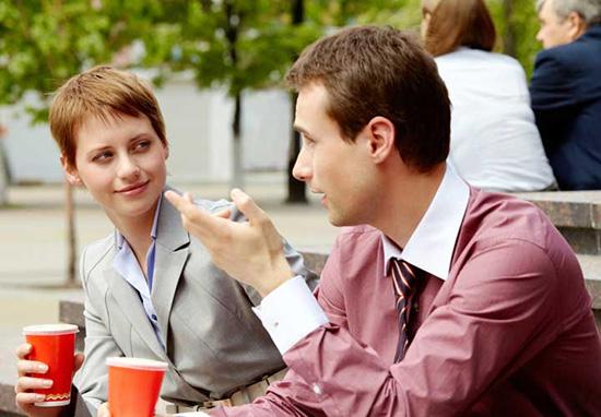 چه چیزی باعث تاخیردر صحبت کردن ما می شود ؟