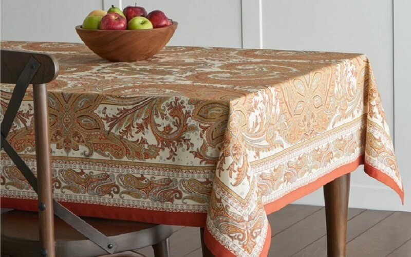 رومیزی میز ناهارخوری مدرن