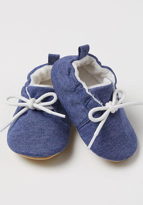 کفش بندی نوزاد